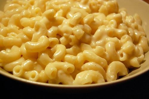 Alicia Silverstone Mac And Cheese image